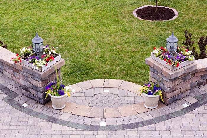 Keon Garden Centre - Landscape Bricks - retaining Walls- Pavers - Fire-pit - Edgers - Moose Jaw