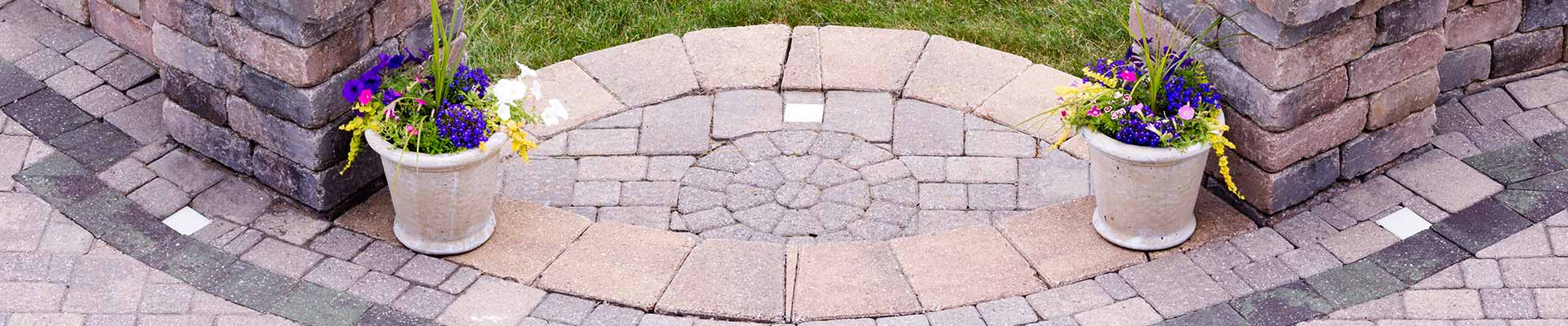 Landscape Bricks - Paver - Retaining Wall - Fire Pit - Patio Stones - Keon Garden Centre - Moose Jaw